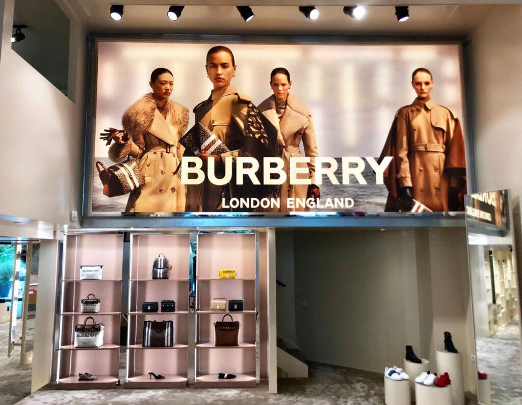 derrickjonesstudio-experience-burberry3